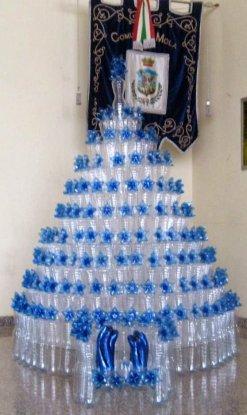 albero di Natale con bottiglie