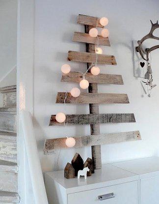 albero stilizzato in legno