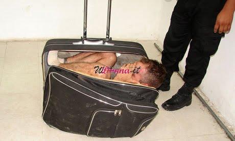 Gavinson García dentro una valigia