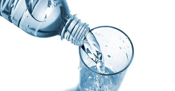 acqua in bottiglia