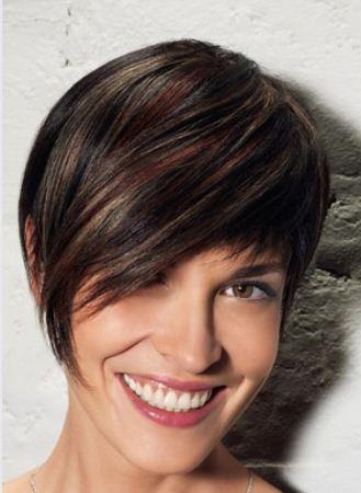 Foto di capelli corti con mesh