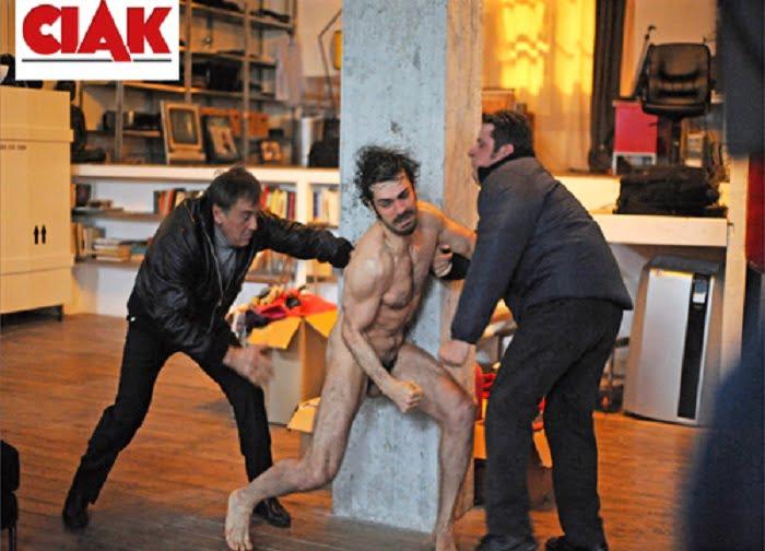 Luca Argentero foto nudo integrale