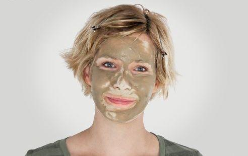 argilla verde sul viso