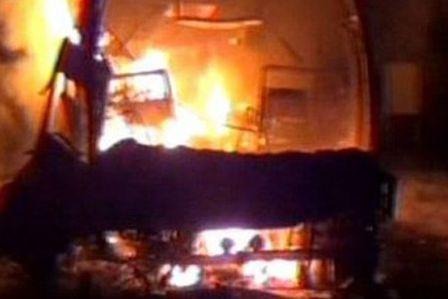 india-incendio-bus