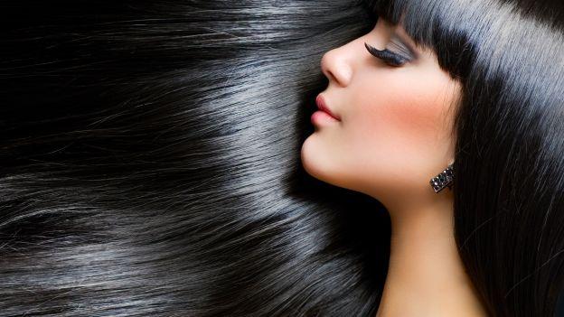 Come lisciare i capelli senza rovinarli