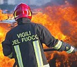 Incendio in residence di immigrati