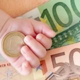 Bonus da 600 euro per le mamme : Come richiederlo all' Inps