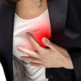 Dolore al petto e formicolio al braccio sinistro sintomo d'infarto