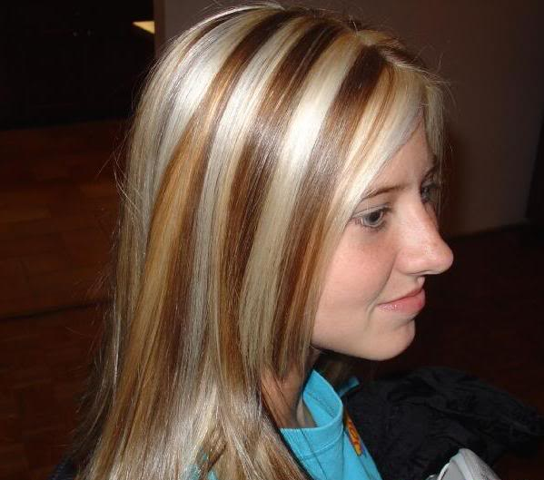 Contrasti biondi su capelli castani