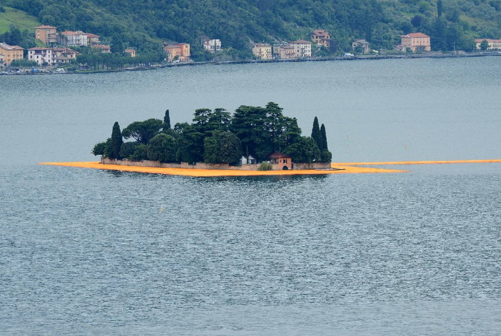 passerella lago