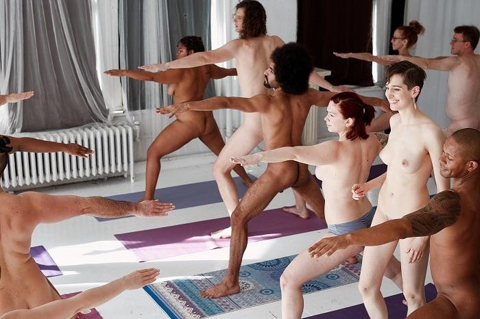 Naked yoga, lo yoga come mamma ti ha fatto - WDonna.it